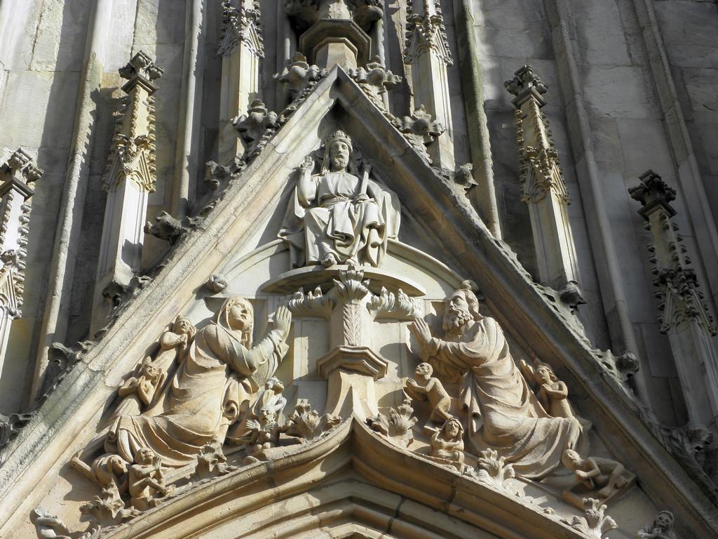 Strzegom - bazylika fasada zachodnia