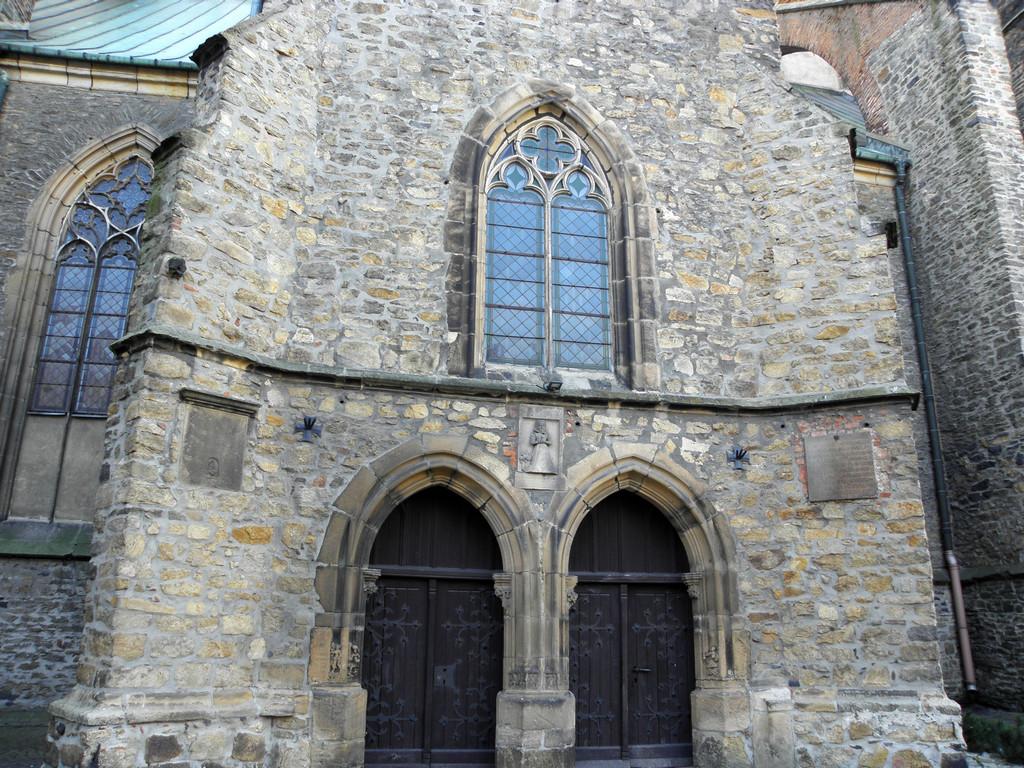 Strzegom - bazylika portal północny