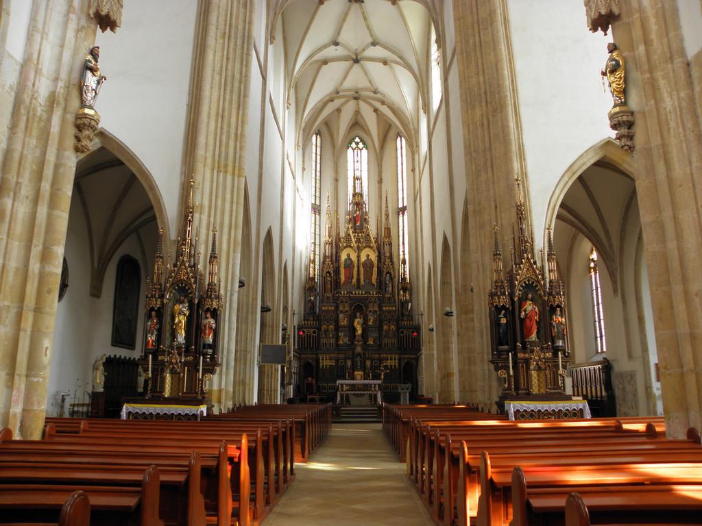Strzegom - bazylika ołtarz główny