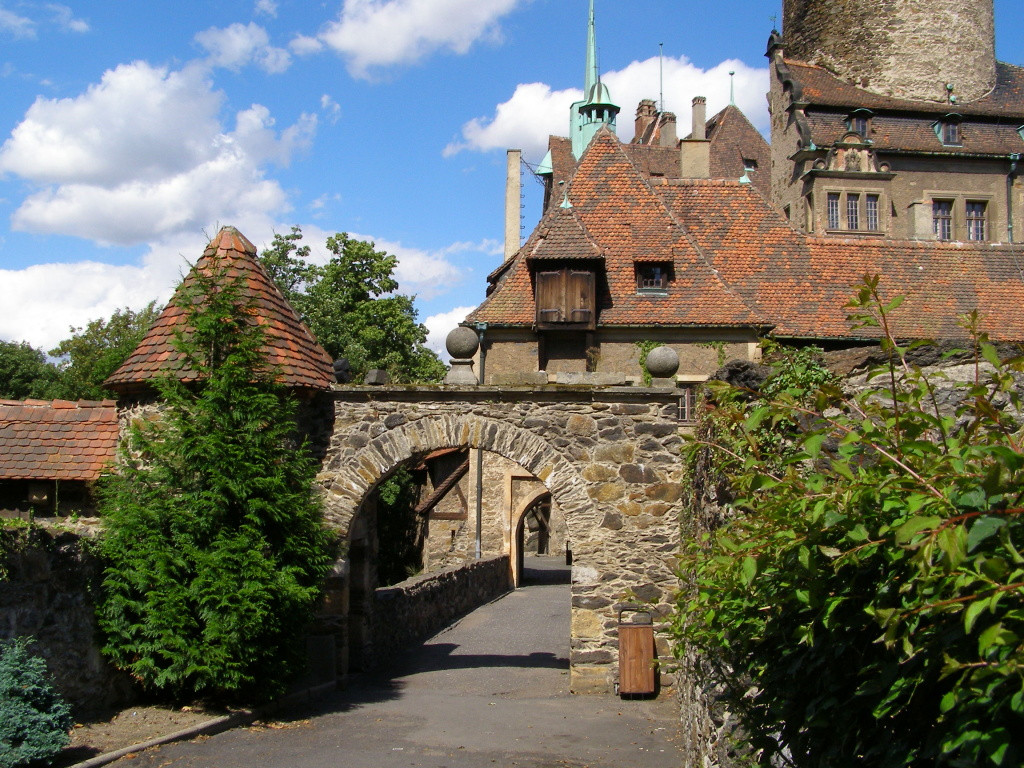 Gate to the lower part of the castle