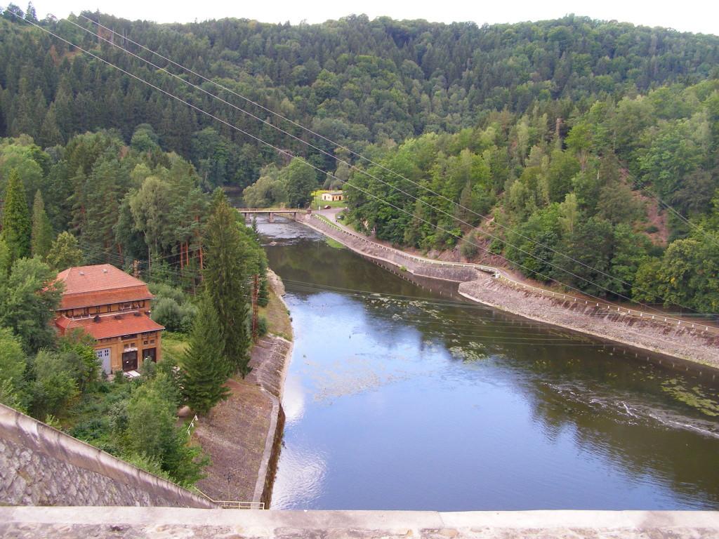 The river Bobr below the dam