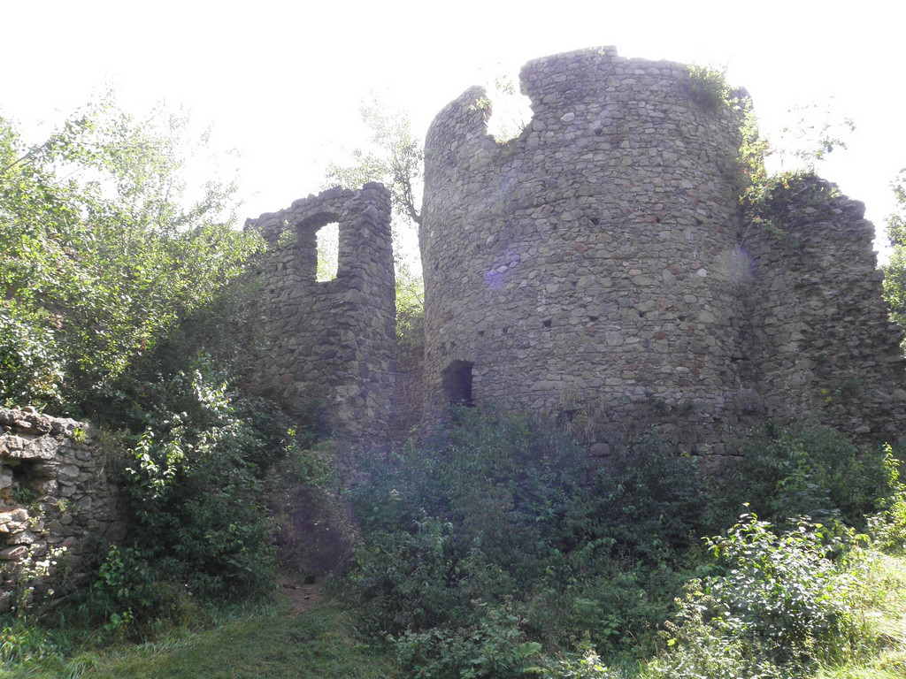 Sun over castle Cisy