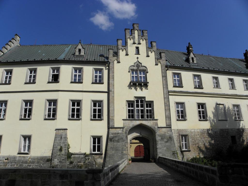 Zamek Hruba Skała