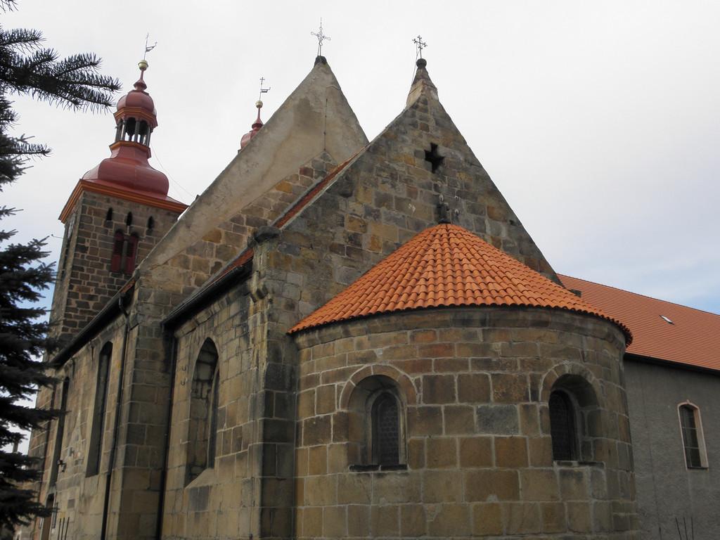 Wierzbna - kościół romański