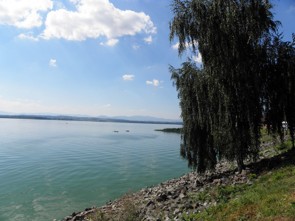 Nyskie lake