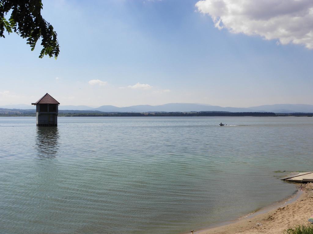 Nyskie lake with Hruby Jesenik in the background